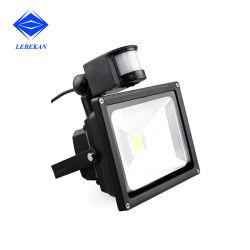عاكس خارجي بسعر المصنع بقدرة 30 واط، 50 واط، إضاءة LED بقوة 100 واط مع جهاز استشعار الحركة
