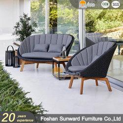 Neuester Entwurfs-im Freien chinesischer Aluminium-UVwiderstand-Freizeit-Garten-Hotel-Rücksortierung-Landhaus-Ausgangspatio gesponnenes PET Weidenrattan-modernes Balkon-Sofa