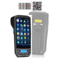 Organizzatore elettronico terminale tenuto in mano di PDA con il lettore dello scanner NFC RFID del codice a barre