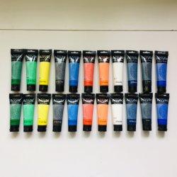 Serie di colori per pittura acrilica dell'artista