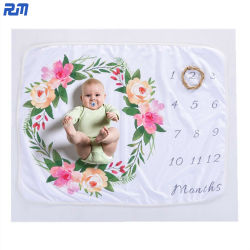 普及した織物製品の新生の写真の背景のカーペットの柔らかい通気性の羊毛の赤ん坊毛布