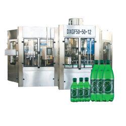 Machine automatique de mise en bouteille en plastique PET Fizzy Usine de boissons gazeuses de l'eau de remplissage