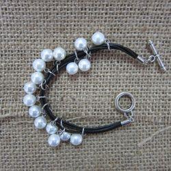 真珠色のブレスレット、シェルの真珠のブレスレット、革ブレスレット、魅力のブレスレット