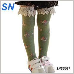 Última moda al por mayor de los encajes de encantador calcetines para niñas