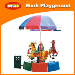 Piccoli Bambini interessante Carrousel in vendita