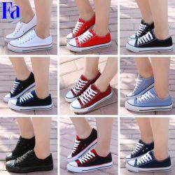 Laag-hoogste Naar maat gemaakte Schoenen, de Schoenen van Vrouwen, Toevallige Schoenen/Tennisschoenen/Schoenen 3-1-1 van het Canvas