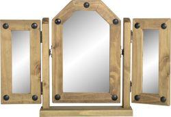 De drievoudige Spiegel van de Wartel in Verontruste In de was gezette Pijnboom voor zich omhoog het Kleden