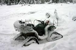 /ATV UTV oruga de caucho en la nieve