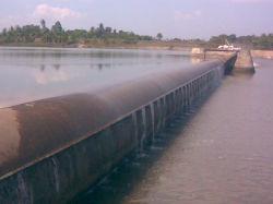 L'eau et de l'électricité du barrage de l'eau en caoutchouc
