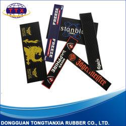 주문을 받아서 만들어진 돋을새김 로고 연약한 유연한 PVC 바 매트