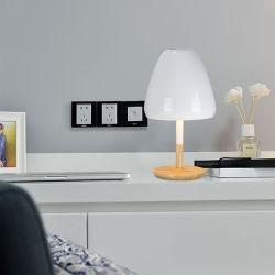 현대 북유럽 유리제 모양 공 나무로 되는 책상용 램프 탁상용 직업적인 호텔 침대 측 램프