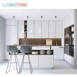 現代の工場直送製造された家のための Laminate 仕上げの台所キャビネット 木製家具プロジェクト