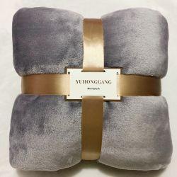 Comodo scaldare le coperte di corallo lavorate a maglia del ginocchio della flanella del panno morbido dello strato