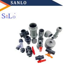 PVC-T-Rohrverschraubungen mit Ellenbogen