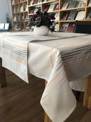 卸売テーブルクロスを食事する100%年のポリエステルジャカードしまのあるテーブルクロス