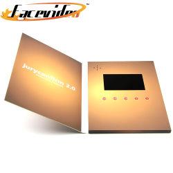 Facevideo 제조자는 생일 사업 선물 권유를 위한 인쇄 인사장 디지털 브로셔 책에 있는 LCD 영상을 주문을 받아서 만든다