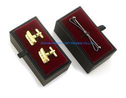Les boutons de manchette de luxe les goupilles épingles à cheveux un emballage cadeau encadré de petite taille du papier à l'intérieur en velours noir avec logo personnalisé de gros de taille différente d'accepter ou de détail en vrac OEM