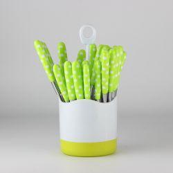 Пластмассовую ручку столовые приборы