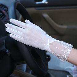 السيدات لاتشي قفازات الموضة حماية الشمس حماية ضد الأشعة فوق البنفسجية المرأة شاشة اللمس قفازات زفاف زفاف زفاف على الزفاف مع ارتداء قفازات الزفاف