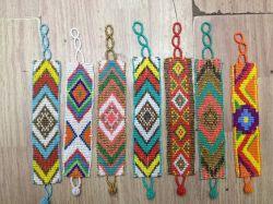 25 ans d'usine Source perlé main caténaire/à courroie Lettre tissé broderie Tassel Bangle Bracelet réglable à lacets Festival Bijoux Bracelets Logo