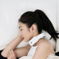 Massager elettrico a bassa frequenza del collo di impulso di figura senza fili di U