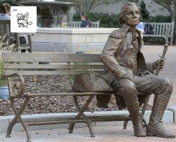 La decoración del parque al aire libre bronce de tamaño de la vida del almirante sentado en un banco de la escultura Bsg-198