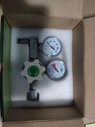 医学の酸素の調整装置を二重正確に測りなさい