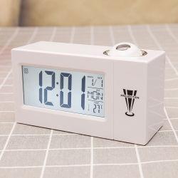 Orologi dello scrittorio della Tabella dell'allarme dell'affissione a cristalli liquidi di prezzi di fabbrica con il proiettore di temperatura C-679 di dati di tempo di Snooze