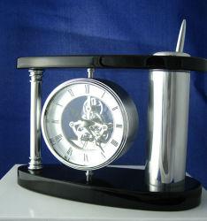 Porta-Canetas de madeira cromado com relógio de mesa