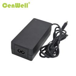 Cenwell CE FCC Kc PSE SAA RoHS Reach goedgekeurd 12V5a C8 C14-stekker desktoptype wisselstroomadapter/voeding