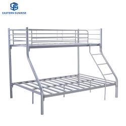 De Drievoudige Tweeling van het Metaal van het Staal van de slaapzaal over Volledige Stapelbedden voor de Student van de School
