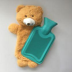 Oso de peluche de cubierta para botellas de agua caliente y bolsa de calor