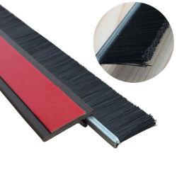 Auto-adhésif Windproof porte étanche aux poussières Sweep PP Joint brosse Strip