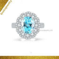 女性のためのダイヤモンドが付いている贅沢な楕円形のアクアマリンの宝石類のリング9K 14K 18Kの白い金の指輪の宝石類
