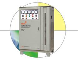 Ajustable pleine compensation stabilisateur de tension (SBW-F)