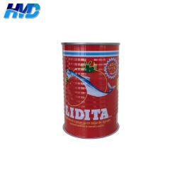 Vous pouvez vide pour les sardines en sauce tomate