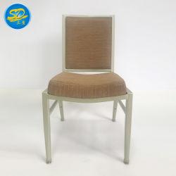 低価格はホテルの宴会の安いレストランのダイニングテーブルの椅子を使用した