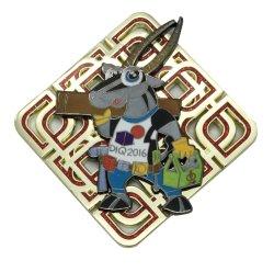 Emblema molle duro del distintivo della bandierina dello smalto del metallo del commercio all'ingrosso del campione libero del mestiere di modo del fiore dell'argento militare su ordinazione d'ottone promozionale dell'oro come regali del ricordo di promozione