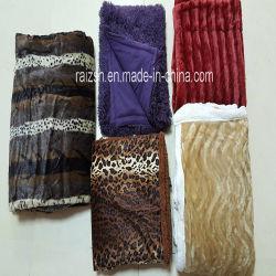 100% Polyester PV couverture en fourrure de pieux en molleton polaire lancer avec couleurs différent