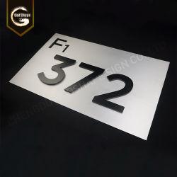 高品質は金文字のナンバープレートの印をカスタム設計する