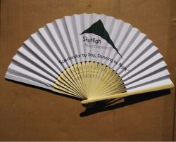 Bamboo più poco costoso Paper Folding Hand Fans con Natural Colour Ribs per Souvenir