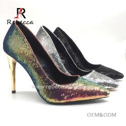 Frauensequin-Stilett-GoldAbsatz-Kleid-Schuhe