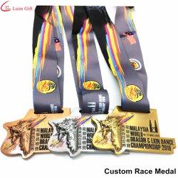 На заводе Custom Dragon лодки расы Metel медаль с лентой