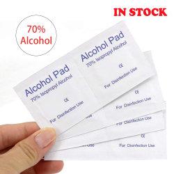 Des lingettes de nettoyage de 75 % de l'alcool écouvillon antiseptique