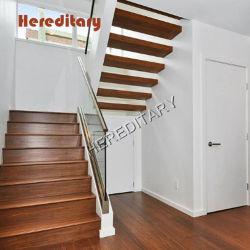 La luz de lujo, además de vidrio escaleras de madera con baranda de vidrio escaleras