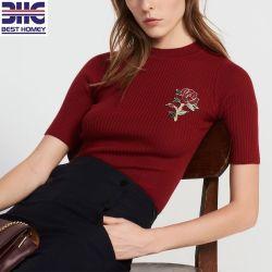 Les femmes pullover en tricot de laine du Fashion avec Design Flower Patch brodé