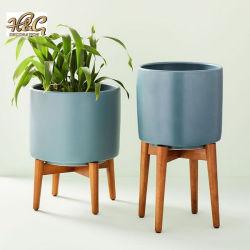 POT di ceramica lustrato con il basamento di legno