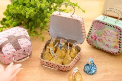 Europa-Typ Blumen-Weinlese-Koffer-Form-Süßigkeit-Ablagekasten-Hochzeits-Bevorzugungs-Zinn-Kasten-Kabel-Organisator-Behälter-Haushalt