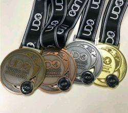 Adaptado de la fábrica de Deportes 3D Metal Medalla de Oro para la promoción de regalos, souvenirs con cinta o cordón