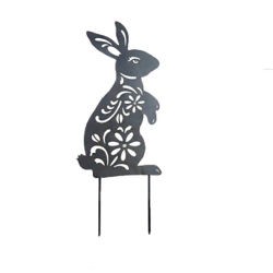금속 정원 그림자 말뚝 또는 실루엣 금속 정원으로 만드는 귀여운 까만 토끼